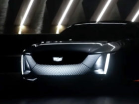 cadillac-celestiq-flagship-sedan-teased-during-2021-ces-presentation,-coming-with-four-quadrant-smart-glass-roof