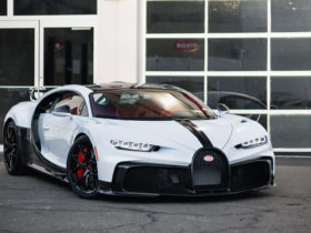 first-bugatti-chiron-pur-sport-delivered-in-the-usa