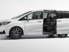 2021-honda-odyssey-price-and-specs:-facelifted-people-mover-scores-new-look,-price-rises-up-to-$5000