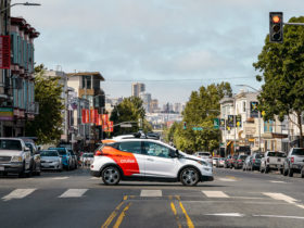 microsoft-teams-up-with-gm-backed-self-driving-technology-startup-cruise