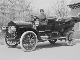 beast:-the-history-of-the-us-presidential-state-car