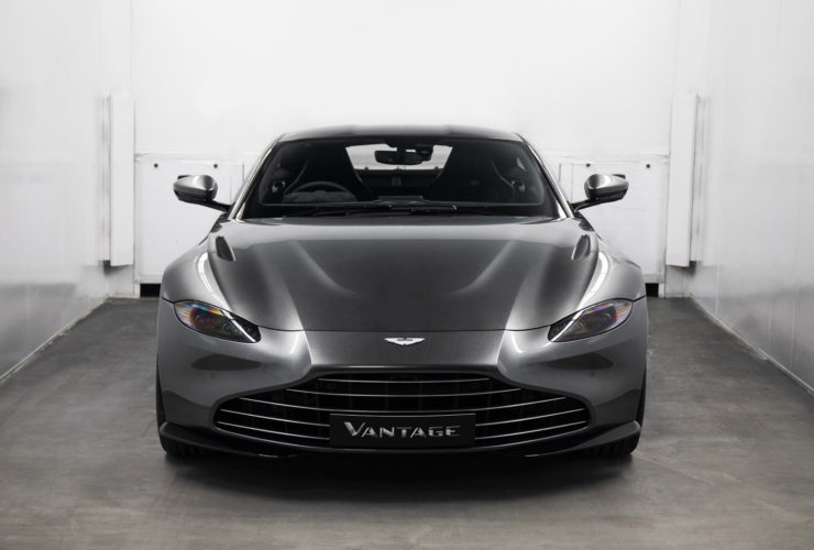aston-martin-offers-vane-grille-conversion-for-the-vantage