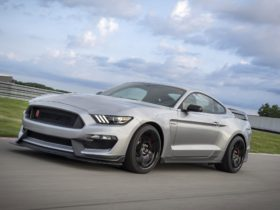 2020-ford-mustang-shelby-gt350r-wallpapers
