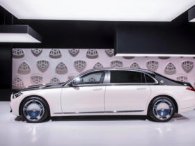 2021-mercedes-maybach-s-class-first-look-review:-should-rolls-royce-be-afraid?