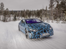 mercedes-benz-shows-off-torque-vectoring-ability-of-upcoming-eqs