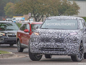2022-mitsubishi-outlander-spy-shots:-bold-new-look-for-family-suv