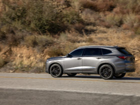mdx-versus-telluride,-toyota-tops-vw,-lordstown-plans-electric-van:-what's-new-@-the-car-connection
