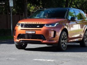 2020-land-rover-discovery-recalled-with-seatbelt-fault
