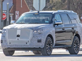 2022-lincoln-navigator-spy-shots:-flagship-suv-to-receive-refinements