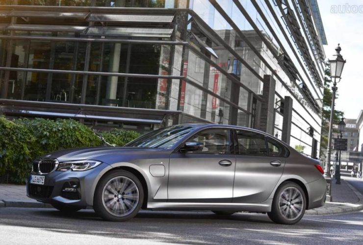 bmw-3-and-5-series-get-entry-level-phev-models