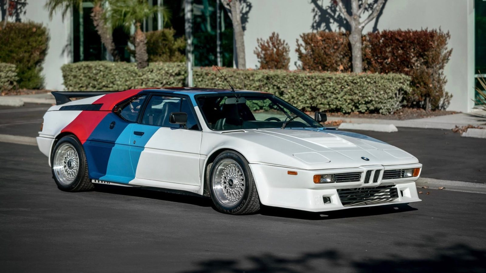 bmw-m1-once-owned-by-paul-walker-sells-for-$500,000