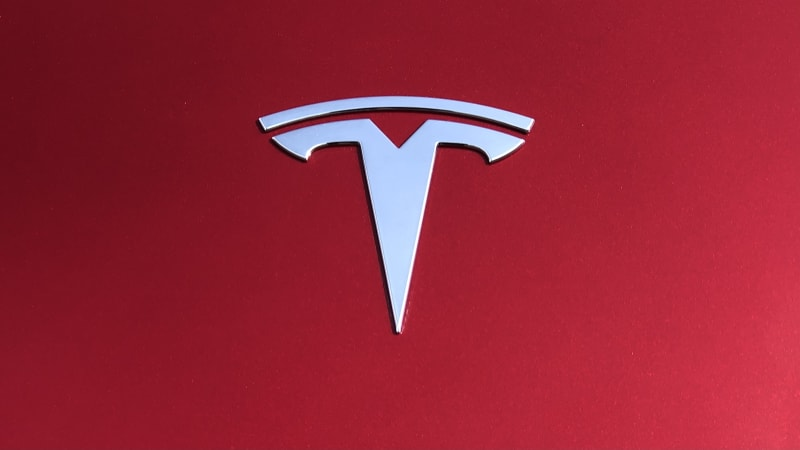 "tesla-boss-elon-musk-admits-car-quality-flaws,-says-mass-production-is-""hell"""