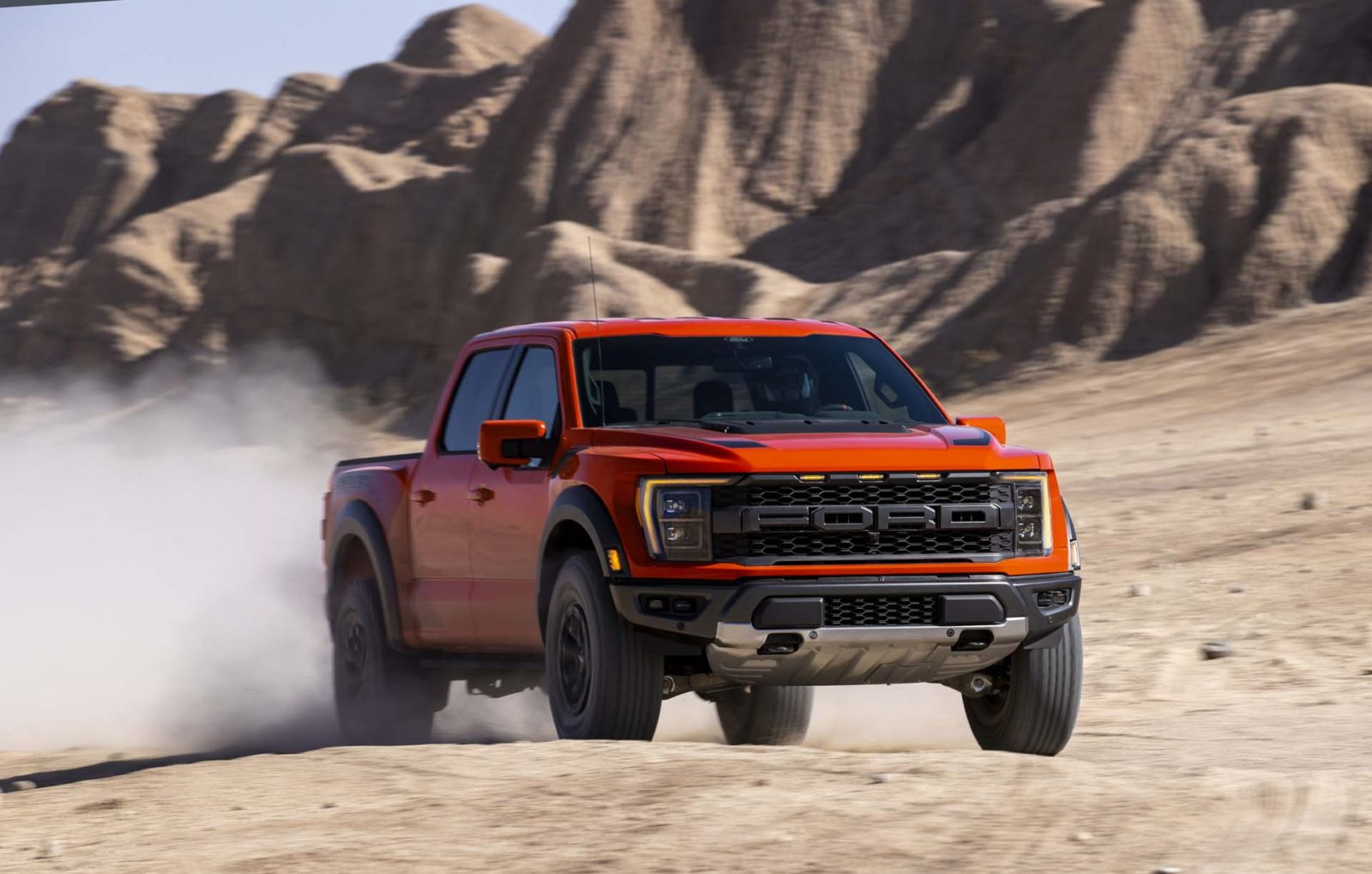 2021-ford-f-150-raptor-preview:-off-roader-gets-rear-coil-springs,-37-inch-tires,-but-no-v-8-for-now