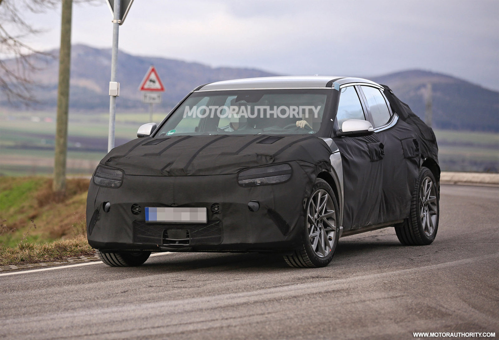 first-genesis-ev-will-reportedly-be-called-a-gv60,-electric-gv70-to-follow