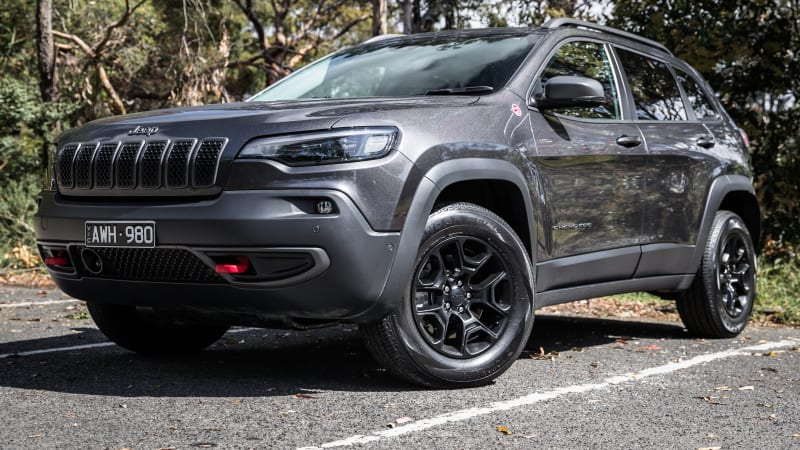 2021-jeep-cherokee-trailhawk-gets-$2700-price-rise,-picks-up-new-standard-equipment