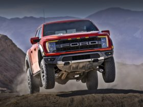 new-ford-f-150-raptor-extends-extreme-off-road-capability
