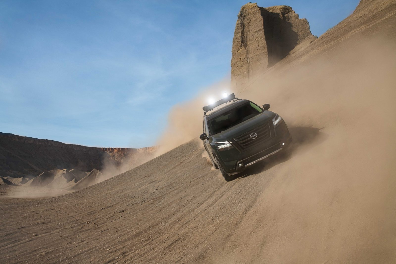 preview:-2022-nissan-pathfinder-takes-on-a-rugged-look,-9-speed-auto