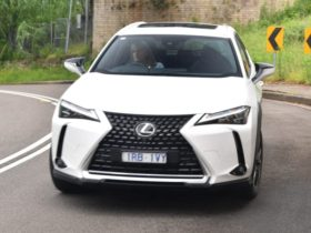 2021-lexus-ux200-sports-luxury-review