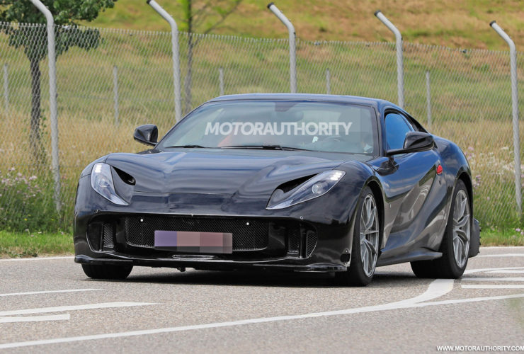 will-the-hardcore-812-be-ferrari's-last-v-12-car-without-electrification-or-turbocharging?