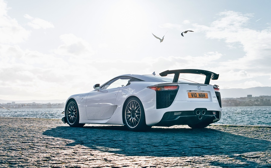 10-years-later,-the-lexus-lfa-legend-lives-on