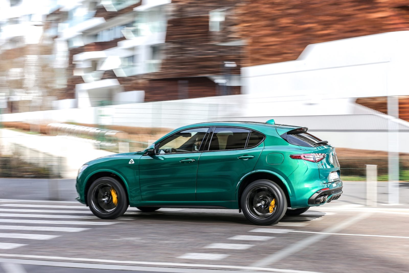 2021-alfa-romeo-stelvio-and-2021-ford-ranger-tremor-reviewed,-audi-e-tron-gt-preview:-what's-new-@-the-car-connection