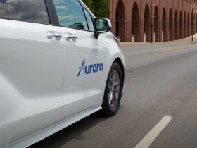 toyota-and-aurora-partner-on-self-driving-cars