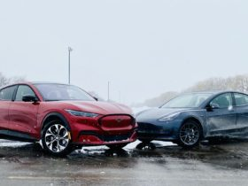 2021-ford-mustang-mach-e-vs.-2021-tesla-model-3:-compare-electric-cars