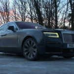 how-does-rolls-royce's-first-awd-luxury-sedan,-the-2021-ghost,-handle-the-scottish-snow?