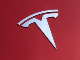 tesla-to-recall-12,300-examples-of-its-model-x-with-moulding-defect-–-report