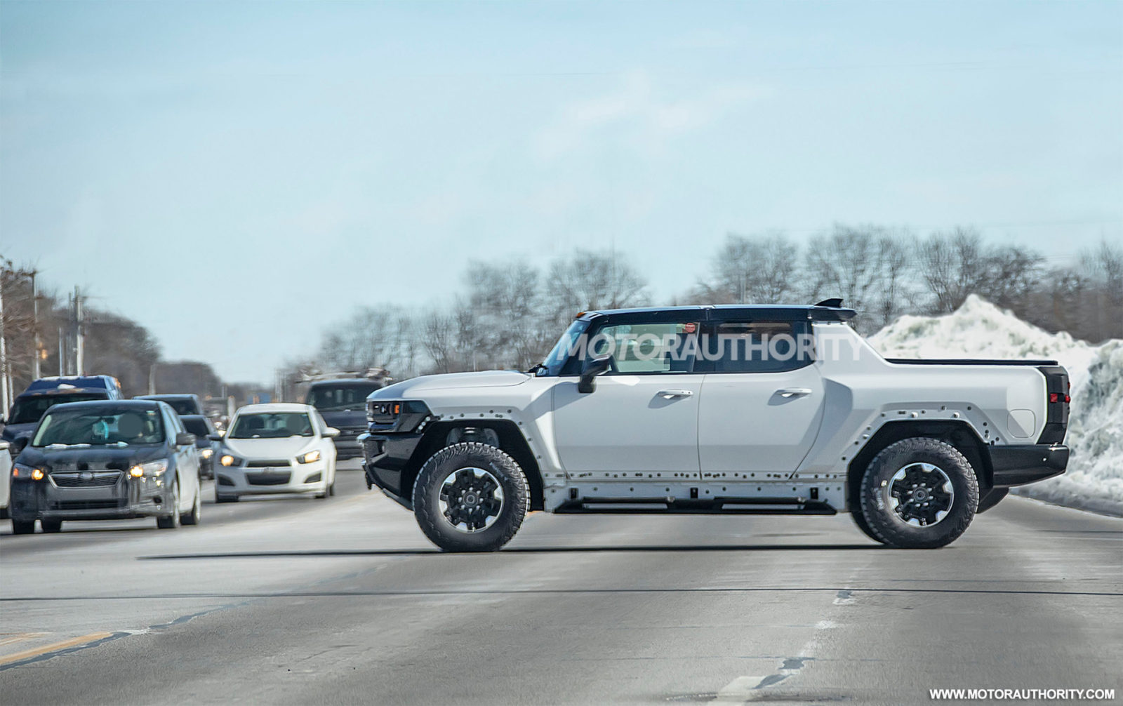 2022-gmc-hummer-ev-spy-shots:-electric-pickup-coming-this-fall