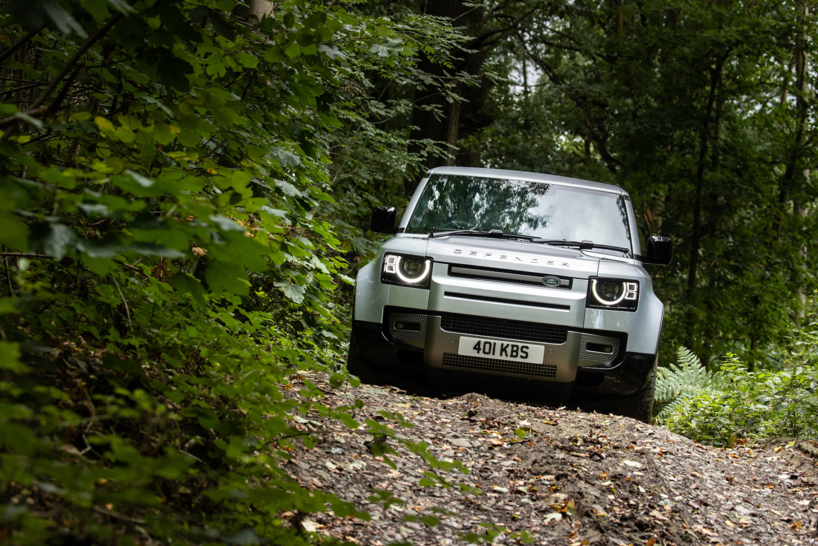 land-rover-defender-pickup-could-be-back-on,-but-still-unlikely-for-us