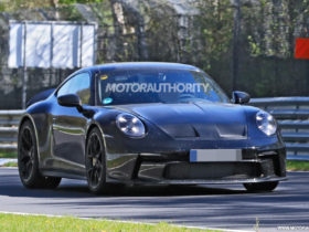2022-porsche-911-gt3-touring-spy-shots:-track-star's-mild-mannered-sibling-spotted
