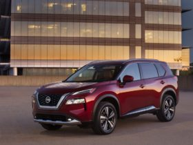 2021-nissan-rogue-fares-poorly-in-nhtsa-passenger-side-crash-tests