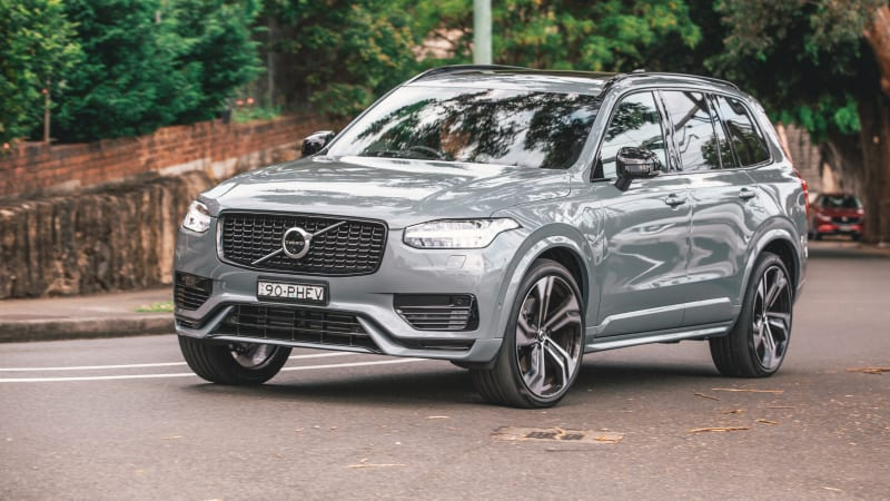2021-volvo-xc90-recalled-due-to-airbag-control-module-fault