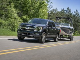 2021-ford-f-150-recalled-for-loose-windshield;-f-series-payload-overstated