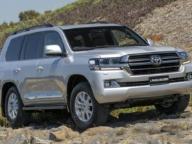 2015-20-toyota-landcruiser-200-series,-2019-20-hilux-recalled-for-compliance-label-misprint