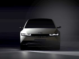 preview:-2022-hyundai-ioniq-5-electric-crossover-arrives-with-retro-looks,-handy-tech