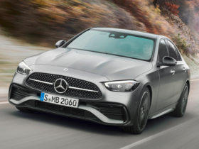 2022-mercedes-benz-c-class-first-look-review:-techno-blitzkrieg