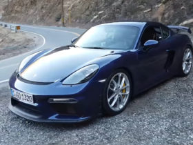 the-porsche-cayman-gt4-is-a-superb-sports-car-even-with-the-pdk