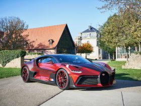 "one-off-bugatti-divo-""lady-bug""-took-two-years-to-create"
