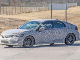 2022-honda-civic-hatchback-spy-shots:-more-mature-compact-hatch-on-the-way