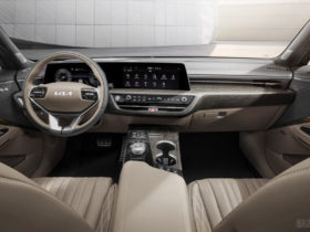 kia-k8-reveals-its-stylish-interior-with-new-logo