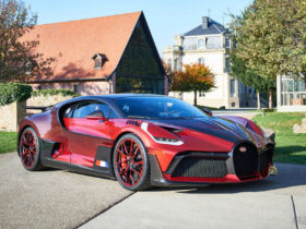bugatti-divo-lady-bug-is-the-only-divo-in-the-world-that-looks-like-this-divo