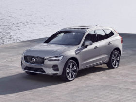 preview:-2022-volvo-xc60-arrives-with-revised-looks,-android-infotainment