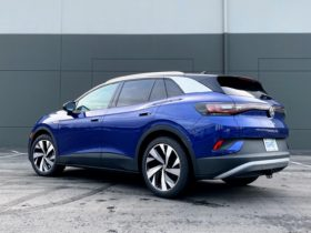 2021-vw-id.4-tested,-2022-volvo-xc60-and-audi-q4-e-tron-previewed:-what's-new-@-the-car-connection