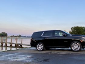 gm's-full-size-suvs-compared,-maybach-s-class-priced,-kia-teases-ev6:-what's-new-@-the-car-connection