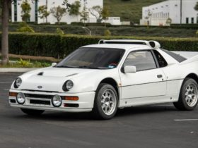 one-of-24-1986-ford-rs200-evolution-on-auction-block