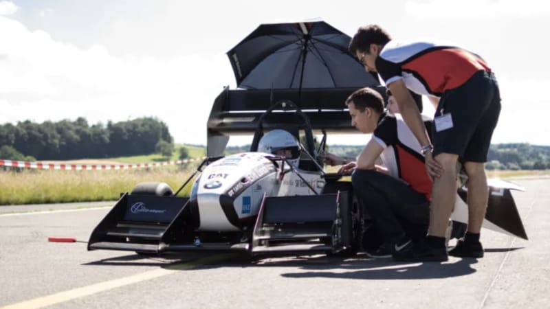 electric-car-that-does-0-to-100km/h-in-1.5-seconds-goes-viral