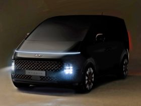 first-looks-at-new-hyundai-mpv-to-be-launched-soon