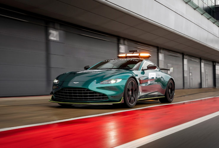 2021-aston-martin-vantage-f1-safety-car-wallpapers